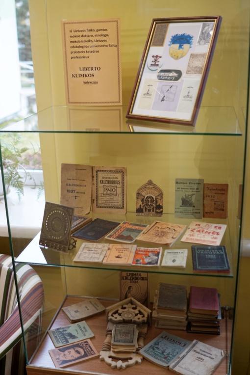 Liberto Klimkos kalendorių kolekcija Dusetų K. Būgos bibliotekoje