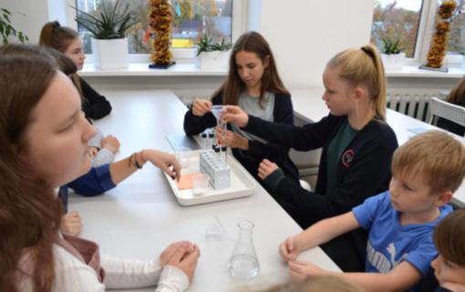 Vinco Kudirkos progimnazijoje atidaryta šiuolaikiška gamtos mokslų laboratorija
