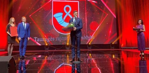 """Tauragės rajono savivaldybei – """"Auksinės krivūlės"""" apdovanojimas"""