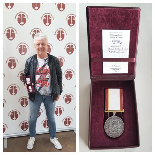 Kęstučiui Jablonskiui įteiktas medalis už nuopelnus