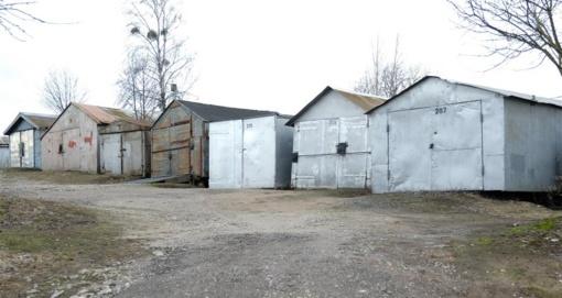 Kalniškės g. garažų savininkų dėmesiui – atlaisvinkite teritoriją