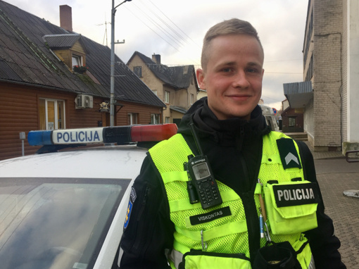 Dėl darbo policijoje sugrįžo iš užsienio
