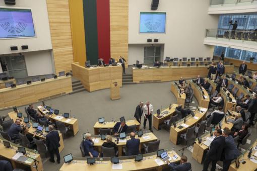 Seimo nenumatytame posėdyje - pertrauka