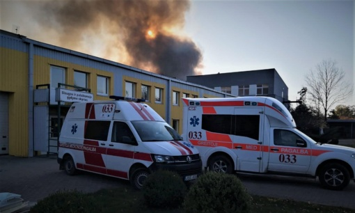 Ligoniai iš Pramonės rajono evakuojami į ligoninę, vaikų namus ir sporto salę