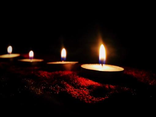 Visų Šventųjų dienai artėjant: leidimai prekiauti gėlėmis ir žvakėmis jau neišduodami