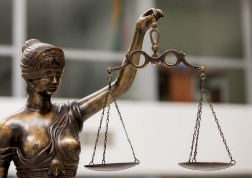 Konstitucinis Teismas nenagrinės E. Laužiko prašymo išaiškinti teisėjų atleidimo tvarką