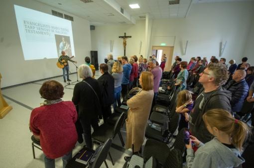 Tęsiasi ekumeninės Šventojo Rašto studijos Šiauliuose