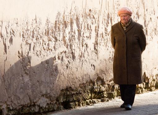Sunkiausiai besiverčiantiems senjorams ir neįgaliesiems – didesnė pagalba