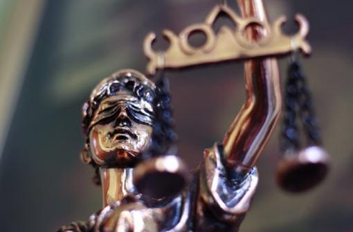 Išteisino piktnaudžiavimu tarnyba kaltintą pareigūnę