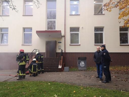 Įstaigų darbuotojams – dažnesnės gaisrų imitacijos pratybos