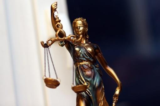 Už bendraamžio reketą septyniolikmetis nuteistas kalėti lygtinai