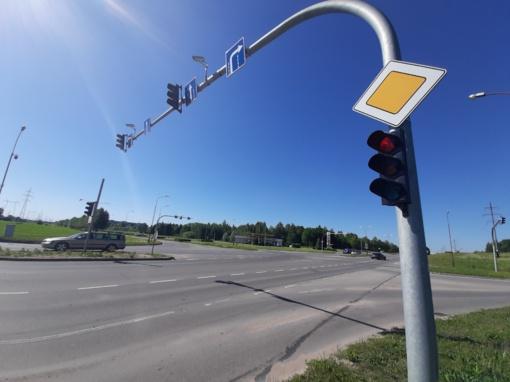 Eismo saugumo priemonės skatins keisti vairuotojų įpročius