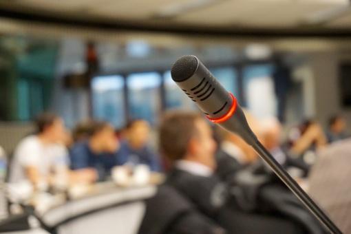 VRK: debatai su į patalpas dėl negalios negalėjusia patekti kandidate bus perfilmuoti