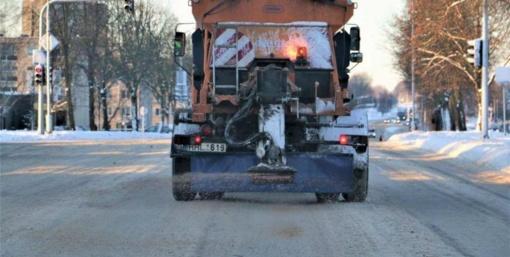 Kelininkai pasiruošę žiemos sezonui: keliams valyti parengta per 700 sunkiasvorių transporto priemonių