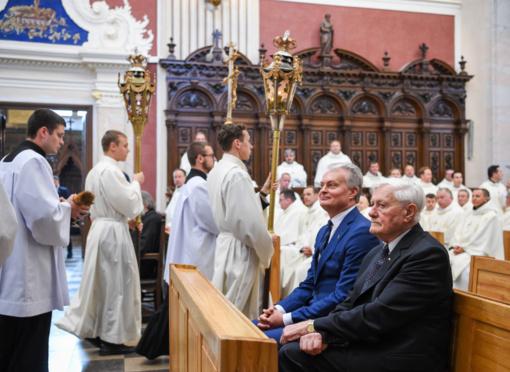 Prezidentas G. Nausėda pasveikino S. Tamkevičių tapus kardinolu