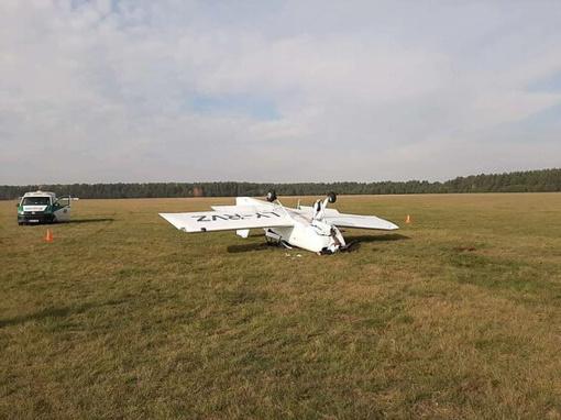 Pociūnų aerodrome nukrito lėktuvas, pilotai išvežti į ligoninę