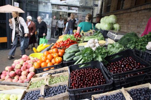 """Populiariausių prekių kainų palyginimo tyrimas atskleidė """"pigiausius"""" prekybos lyderius: kur verta apsipirkti?"""