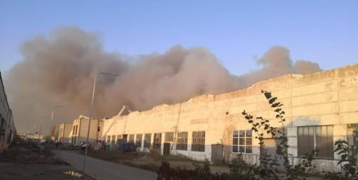 Šešta diena šeštame mieste: buvęs karys pataria griauti pastatą ir užgesinti gaisro epicentrą
