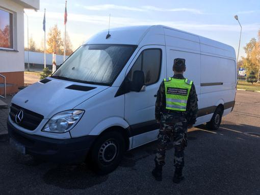Kalvarijos pasieniečiai sulaikė, įtariama, vogtą mikroautobusą