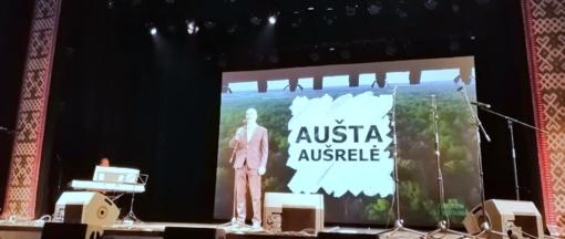 Veliuoniečiai suspindėjo istorinės dainos konkurse