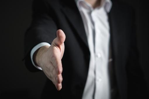 Vis daugiau įmonių įdarbina nuteistuosius