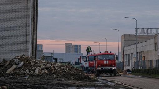Specialistai įspėja: Alytuje degant padangomis kyla milžiniškas pavojus
