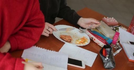 Problemos mokyklų valgyklose nesibaigia