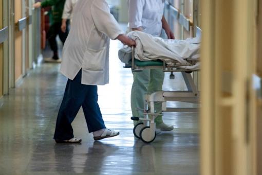 Ligoninėse dėl koronaviruso gydomi 45 žmonės, penki iš jų – reanimacijoje