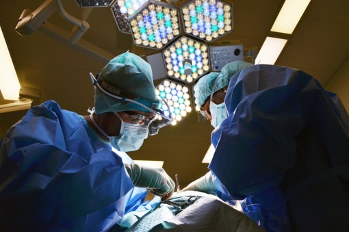 Į Kauno ligoninę komos būsenos pristatytas sumuštas vyras