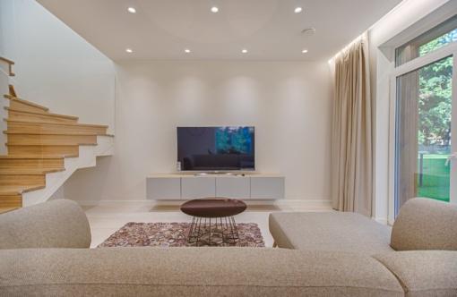 Ką rinktis paprastą ar išmanų apšvietimą namuose?