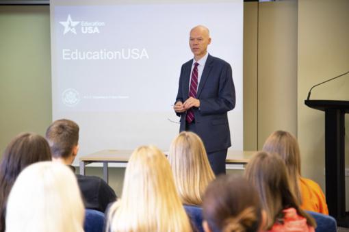 Lieporiečiai netradicinėje pamokoje JAV ambasadoje