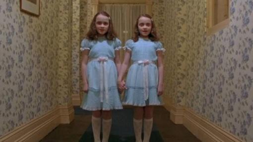 """Kaip šiandien atrodo filme """"Švytėjimas"""" vaidinusios dvynukės?"""