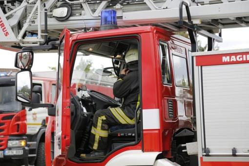 Ugniagesiai gelbėjo lifte įstrigusius žmones