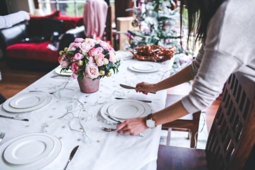 Etiketo testas: kaip reikia elgtis prie stalo?
