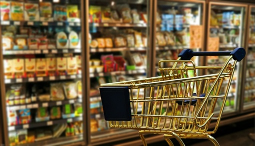 Tyrimas: pigiausių maisto produktų krepšelis per metus pabrango 4,5 proc.