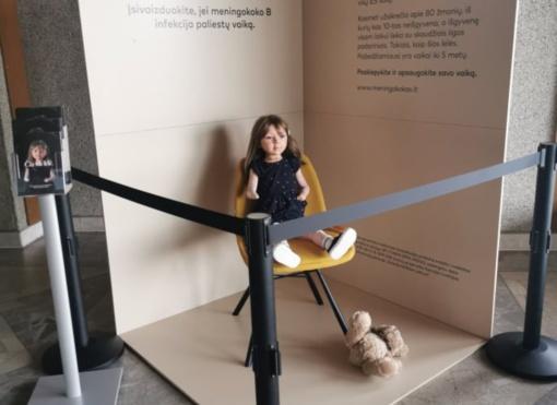 Alytuje eksponuojama pavojingą ligą simbolizuojanti lėlė