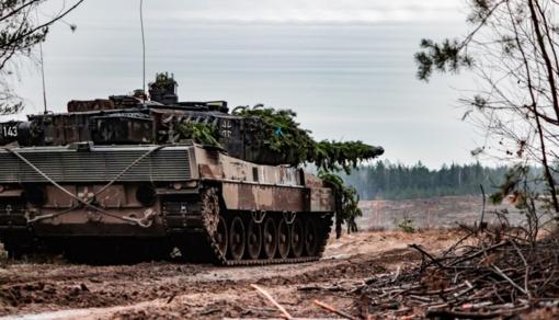 Ekspertai: pernai gynybos išlaidos pasaulyje augo sparčiausiai per pastarąjį dešimtmetį
