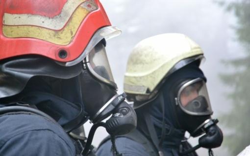 M. Buitkus: 7 iš 10 ugniagesių, dirbusių Alytaus gaisre, randama sveikatos sutrikimų