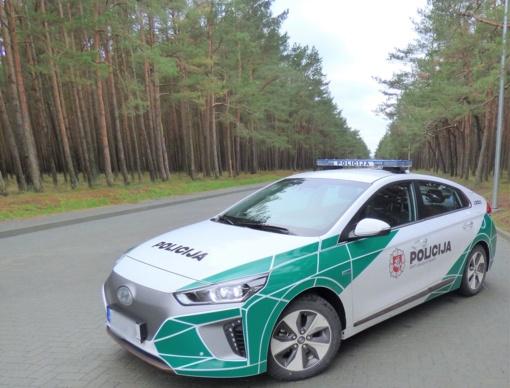 Palangos gatvėse – naujas policijos elektromobilis su įmontuota eismo stebėjimo sistema
