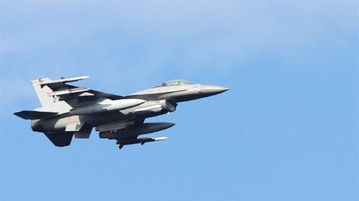 NATO naikintuvai vieną kartą kilo atpažinti ir lydėti Rusijos orlaivių