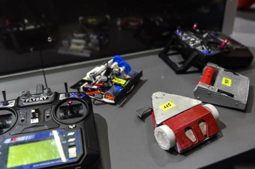 """Simono Daukanto gimnazijos inžinerinės klasės mokiniai dalyvavo """"Robotų fiestoje"""""""