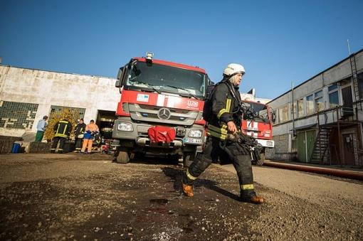 Ugniagesiams, gesinusiems gaisrą Alytuje, skirtos vienkartinės išmokos