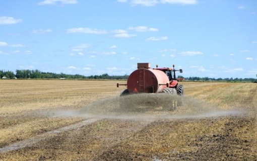 Teikiamas svarstyti savivaldybės tarybos sprendimo projektas dėl tręšimo darbų žemės ūkio paskirties sklypuose