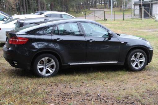 """Medininkuose sulaikytas Vokietijos teisėsaugos ieškotas """"BMW X6"""""""