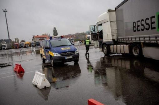 Bendros institucijų operacijos metu šalies keliuose buvo tikrinami krovininiai vilkikai