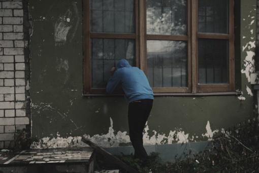Įtartini jaunuoliai Šakių rajone