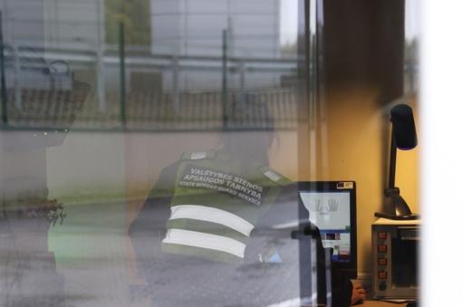 Šalčininkų punkte sulaikyta, įtariama, Lenkijoje pavogta puspriekabė