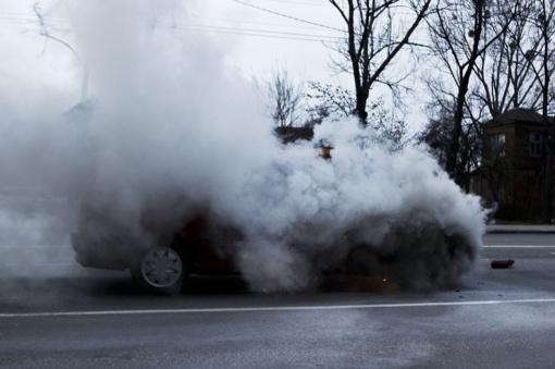 Anykščių rajone sudegė automobilis