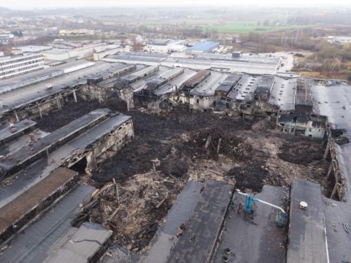 Ugniagesių vadas: degusioje gamykloje Alytuje nebuvo vykdoma priešgaisrinė priežiūra
