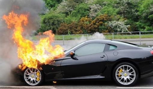 Skuodo rajone degė automobilis